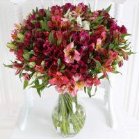 alstroemeria flower bouquet